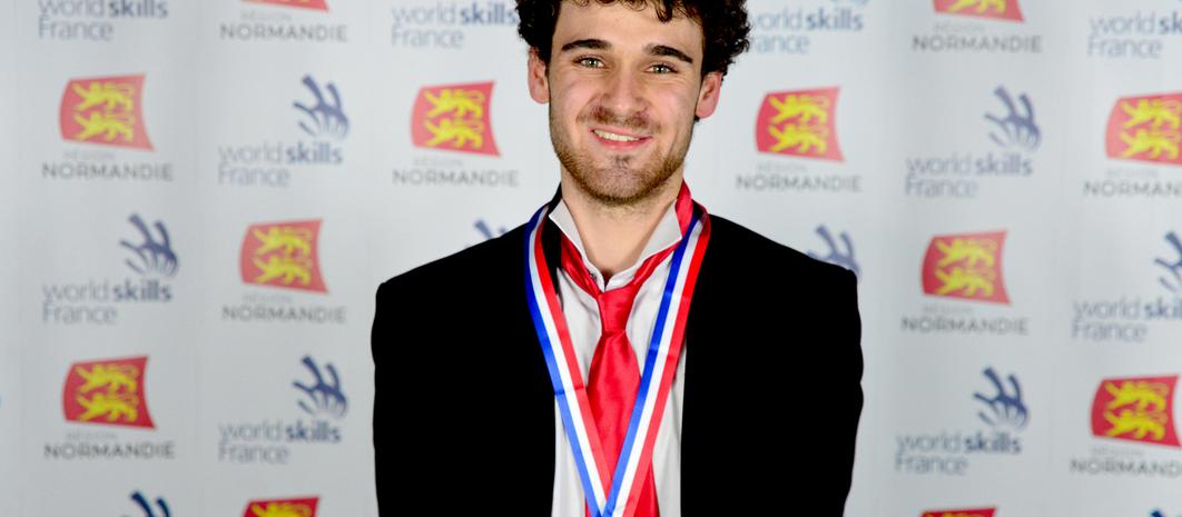 d4d31378fd0486 Louis Dauxais, Champion de France des 45e Olympiades des Métiers –  Catégorie Bijouterie-Joaillerie
